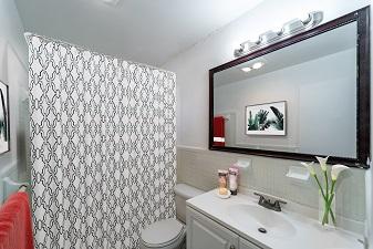 GOLDEN-PALMS-Bathroom