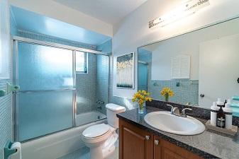University Club apartments- bathroom