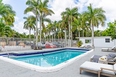 pool at Golden Palms